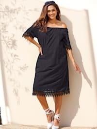 Kleid mit Carmen Ausschnitt