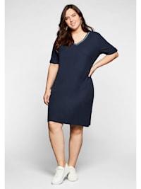 Kleid in Piqué-Qualität, mit Kontrastausschnitt