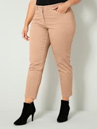 Kalhoty v oblíbené délce po kotníky