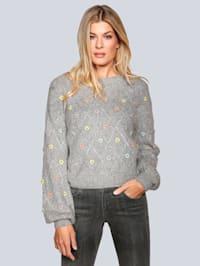 Pullover mit Herzchen