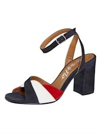 Sandály v hezké kombinaci barev