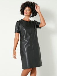 Šaty vpredu a vzadu s deliacim šitím