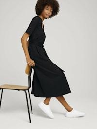 Midi-Kleid mit Carree-Ausschnitt