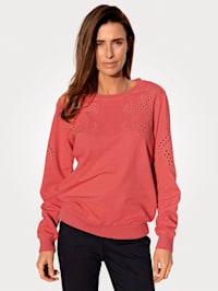 Sweatshirt mit platzierten Häkeleinsätzen