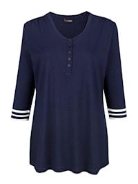 Tričko s dekorativními knoflíky na výstřihu