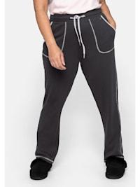 Relax-Hose mit Kontrastnähten, in gerader Form
