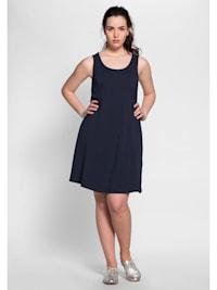 Kleid mit breiten Trägern