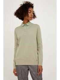 Pullover aus dem weichen Strickgewebe