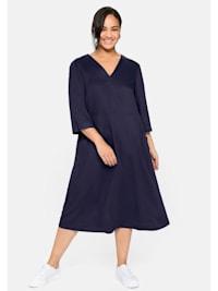 Kleid mit 3/4-Arm, V-Ausschnitt und Eingrifftaschen