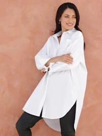 Pitkähelmainen paitapusero