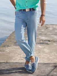 Jeans in modischer Used-Optik