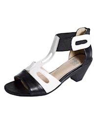 Sandale in harmonischer Farbkombination