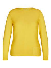 Pullover mit Rippenstrick und Ziernähten