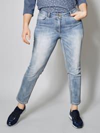 Nohavice v Slim-Fit strihu