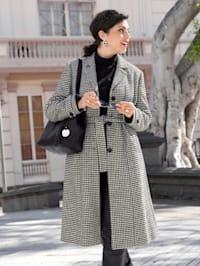 Manteau à motif prince-de-galles tendance