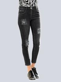 Jeans met decoratieve elementen