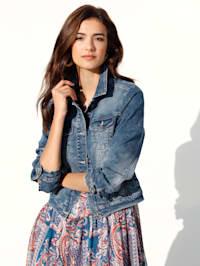 Jeansjacke in moderner Bleached-Optik