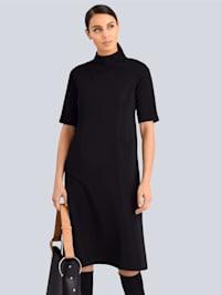 Šaty s malým stojatým golierom