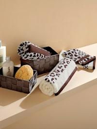 2 handdukar med leopardmönster