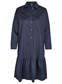 Modisches Kleid mit Brusttasche