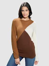 Pullover mit grafischen Dessin im Vorderteil