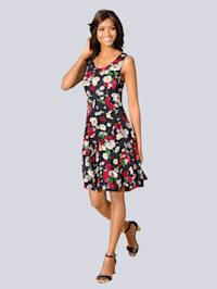 Kleid mit schwingendem Rockteil