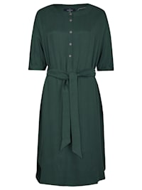 Modernes Kleid mit Bindegürtel