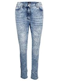 Jeans med fransar nedtill