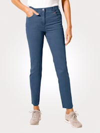 Jeans in Federleicht-Qualität