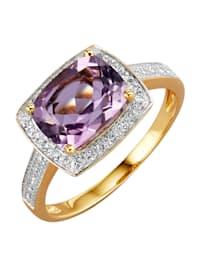 Ring med ametist, vita topaser samt diamanter