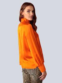 Blusenshirt in leuchtendem Orange