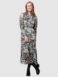 Šaty s kvetinovým dizajnom