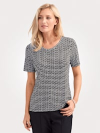 Top made from a lightweight fabric