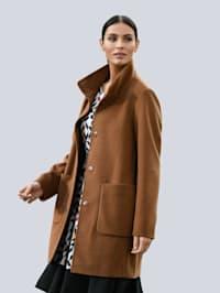 Manteau à col montant