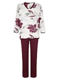 Pyjamas med vackert blommönster