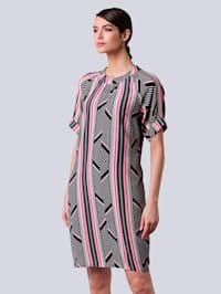 Kjole med fargerikt print