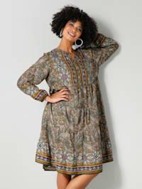 Robe en matière tissée à très joli motif cachemire