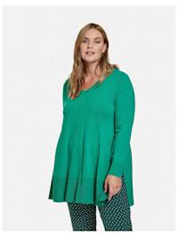 Ausgestellter Pullover mit V-Ausschnitt