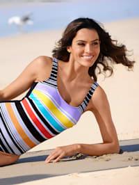 Badeanzug mit sommerlichen Streifen