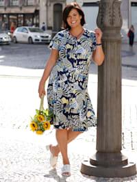 Kleid vorne mit dekorativer Knopfleiste