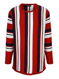 Pullover in streckendem Streifendesign
