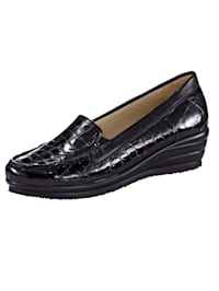 Moccasins with a shiny finish