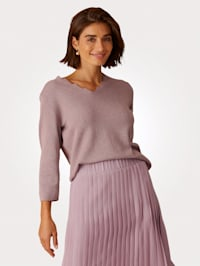 Jumper with shimmering finish