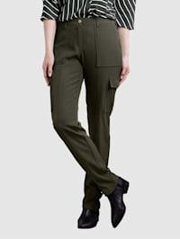 Nohavice s príložkou s patentným gombíkom na nohaviciach