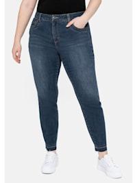 Jeans mit Bodyforming-Effekt und Fransensaum