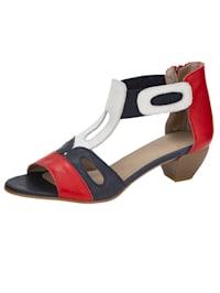 Sandale in harmonischer Farbgebung