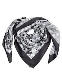 Sjaal van licht glanzend satijnmateriaal