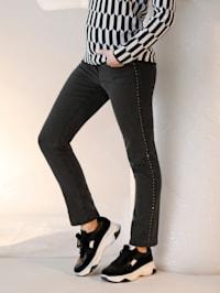 Jeans med strassdekoration