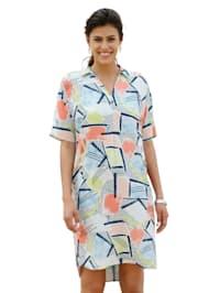 Graafisesti kuvioitu mekko