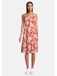 Sommerkleid mit V-Ausschnitt